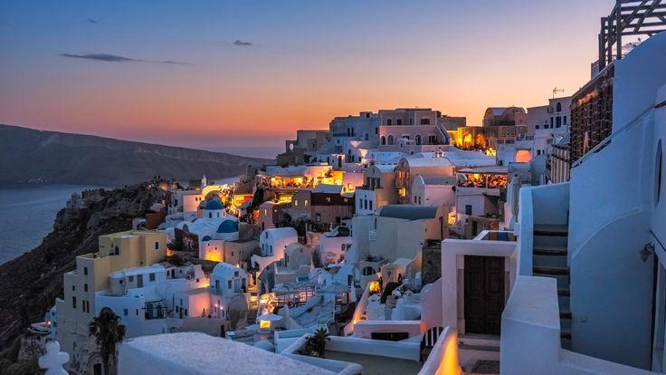 Скачать обои море, Санторини, Греция, вечер, склон, горы, дома, раздел пейзажи в разрешении 1920x1080