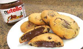 Aprende con este vídeo a como hacer unas Galletas Chocolate Chip Cookies americanas rellenas con Nutella. Auténticas!! Son muy fáciles de hacer y están muy r...