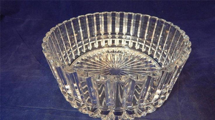"VTG 9"" Vertically Ribbed Heavy Crystal Contemporary Bowl with Sunburst Bottom"