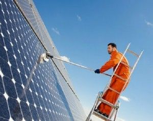 Washing Solar Panels Not Worth the Time, Money, and Effort - The Green Optimistic
