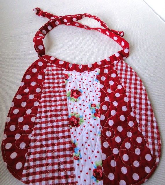 Free Patterns For Quilted Baby Bibs : 1000+ images about Sewing - Bibs on Pinterest Sewing patterns, Bibs for babies and Baby bibs ...