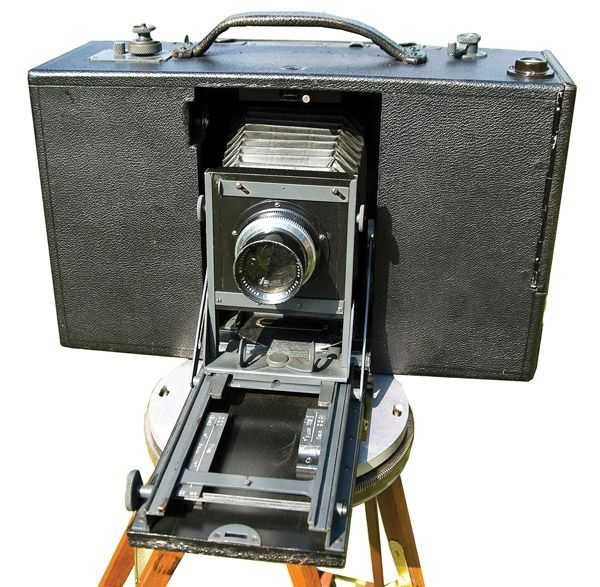 panoramic camera invention essay Invention awards 2014: 360-degree infrared vision a thermal radar system with a panoramic view but such coverage required up to seven thermal infrared cameras and cost more than $100,000 the heart of the invention is a single.