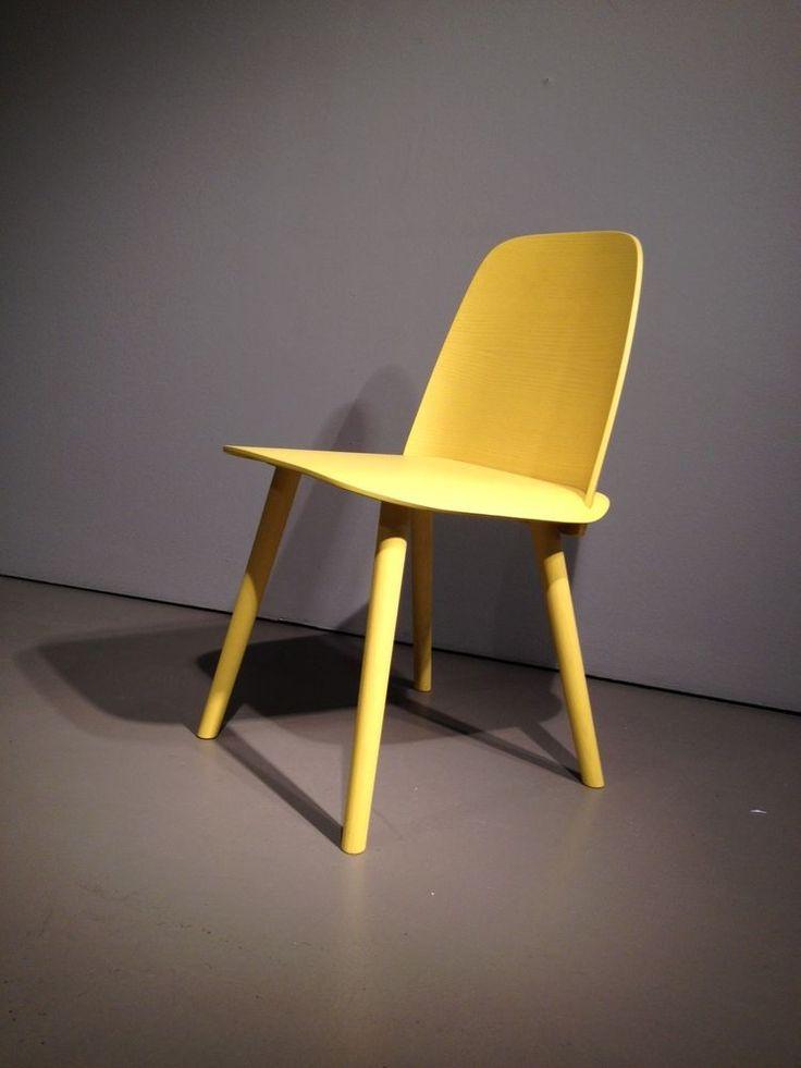 Awesome Muuto Nerd Chair Stuhl lackierte Esche in der Farbe gelb Ausstellungsst ck in M bel
