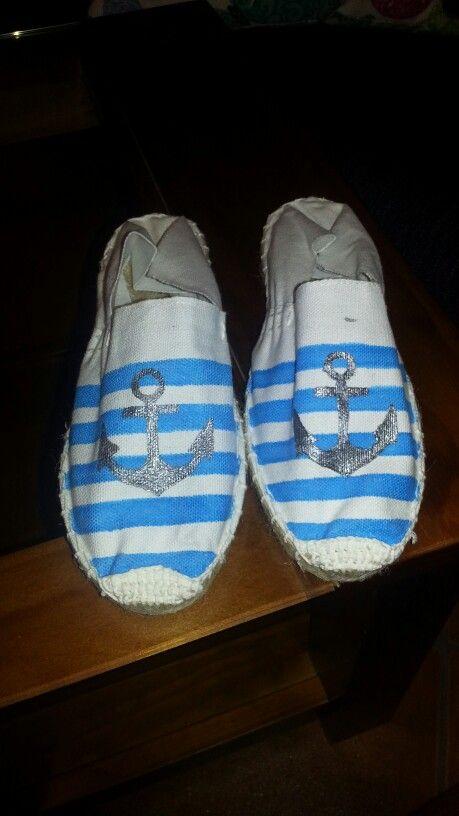 Zapatos de esparto pintadas a mano