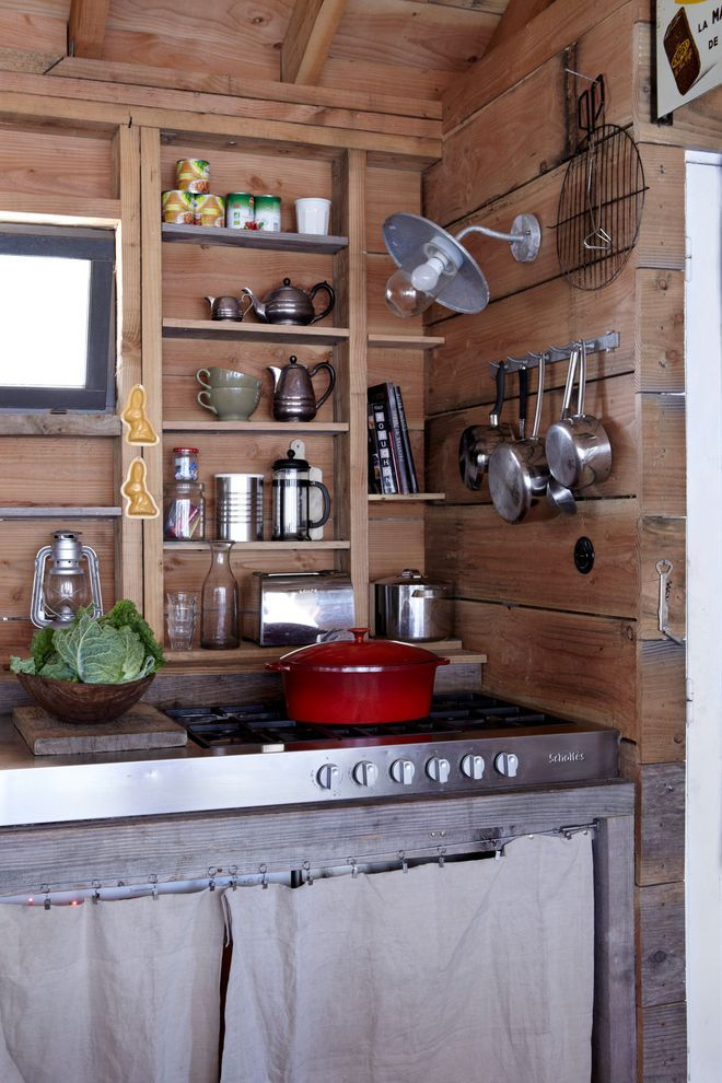 Une cuisine esprit broc 39 dans la maison de campagne interior cabane bois cabane et maison - La maison de campagne ...