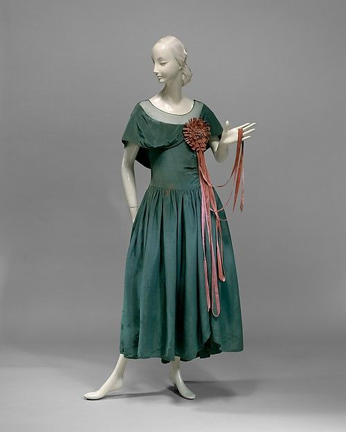 Dress | House of Lanvin | French | 1927 | silk | Metropolitan Museum of Art | Accession Number: 1985.365.5
