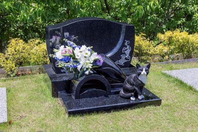 Family Memorial Toghether With The Beloved Pet In Tokyo Withペット は ペット と一緒のお墓で眠りたい という飼い主の方に向けたサービスです 大切な家族であるペットも いつかは寿命を迎えます ペットを飼うということはペットの一生を見届け ペット お