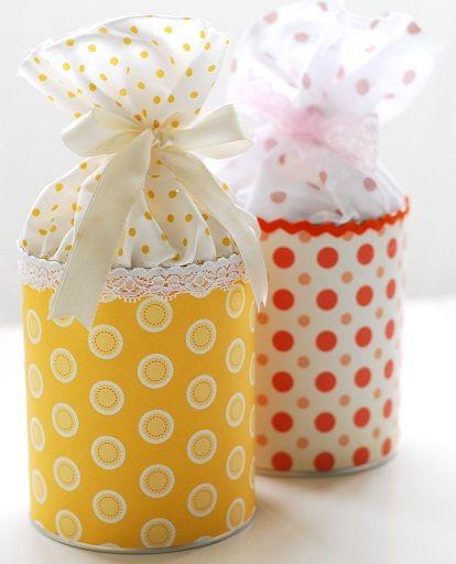 Aprenda a fazer uma linda lembrancinha com material reciclável. Uma bela lata decorada fácil de se fazer e versátil.                                                                                                                                                                                 Mais
