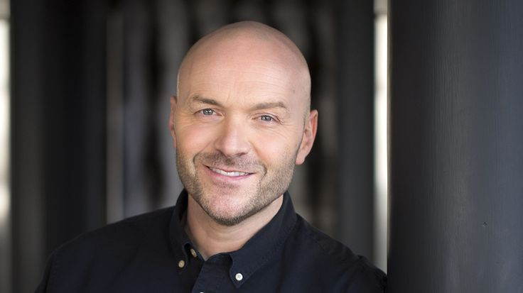 BreakingNews.ie    Strictly Come Dancing hopeful Simon Rimmer has urged the show's creators not to make him dress up as a chef when he takes to the stage for the series return. The TV cook insisted that he did not want to take his day job to the dancefloor when he joins the show, even though... - #Chef, #Dont, #Dress, #Stag, #Strictly, #TopStories