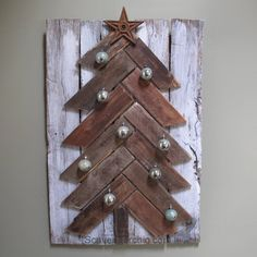 Easy diy Pallet Wood (reclaimed wood) Christmas Tree from Scavenger Chic for MyRepurposedLife.com