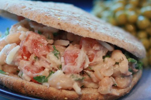 Healthy Tuna & White Bean Pita: Lunches Freeze, Freezer Meals, Beans Pita, Diet February, Beans Lunches, Freezers Meals, Healthy Tuna, Beans Tuna, Healthy Lunches