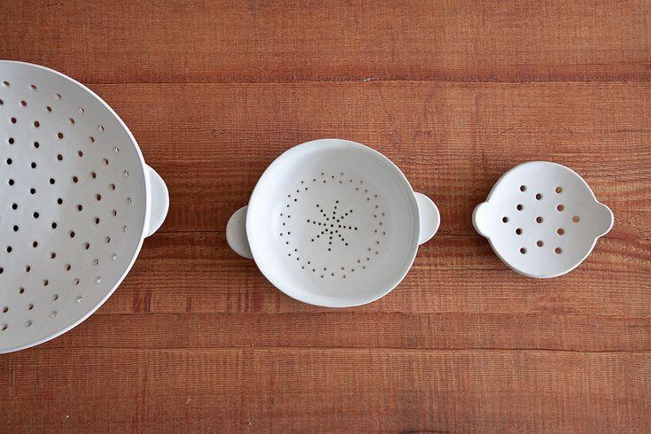 Ando Masanobu | Large Colander, Medium Colander, Soap Dish via Trisha & Janet: Idea, Ceramics Pottery, Ando Masanobu, Large Colander, Medium Colander, Ceramics Colander, Ceramics Porcelain Glasses, Soap Dishes, Soaps Dishes
