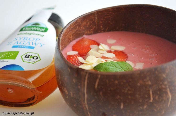 Strawberry smoothie bowl #strawberry #smoothiebowl #zapachapetytu