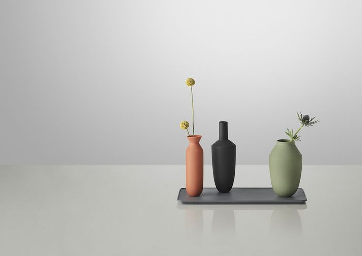 You can tilt'em or try to knock'em off but Muuto colorful clay vases stay up and lock together with their tray thanks to hidden magnets. Design by Hallgeir Homstvedt  http://www.archipanic.com/balance-vase-sets/ #MaisosObjet #design #balancevaseset Photo: courtesy of MUUTO