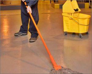 Limpieza industrial de pisos de manera segura