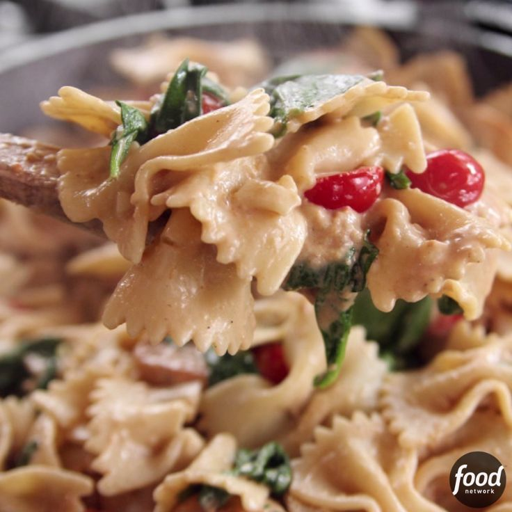 Get your pasta fix with The Pioneer Woman's Bowtie Skillet Alfredo!