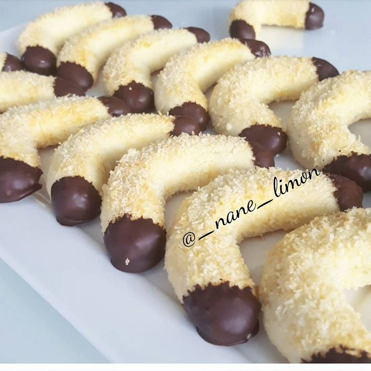 "3,127 Likes, 56 Comments - @_nane_limon on Instagram: ""Hayirli Cumalar🍃 .Bu nefis agizda dagilan hindistan cevizli kurabiye harika bir lezzet.Begenirsiniz…"""