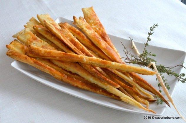 Biscuiti sarati - crackers cu cimbru