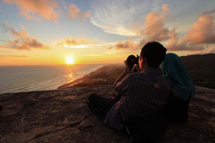 Pemandangan dari Bukit Parang Endog .. romantic..