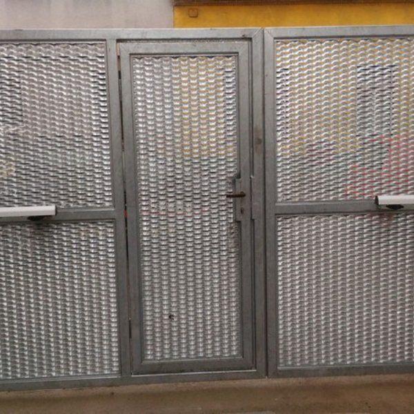 Dvoukřídlá brána s brankou - realizace Brno