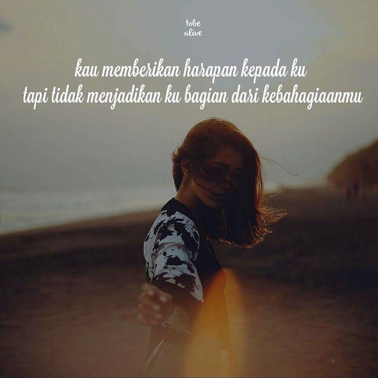 """kau memberikan harapan kepada ku tapi tidak menjadikan ku bagian dari kebahagiaanmu"" . Kiriman dari @evizaharaa . . Tag like dan comment.  Kirim(DM /Tag)  kata-kata buatanmu ya.  #pathdaily #pathindonesia #tumblrquotes #quotesindonesia #quote #katakata #premankalem #pecahankaca #yangterdalam #sajak #catatanfilm #puisi"