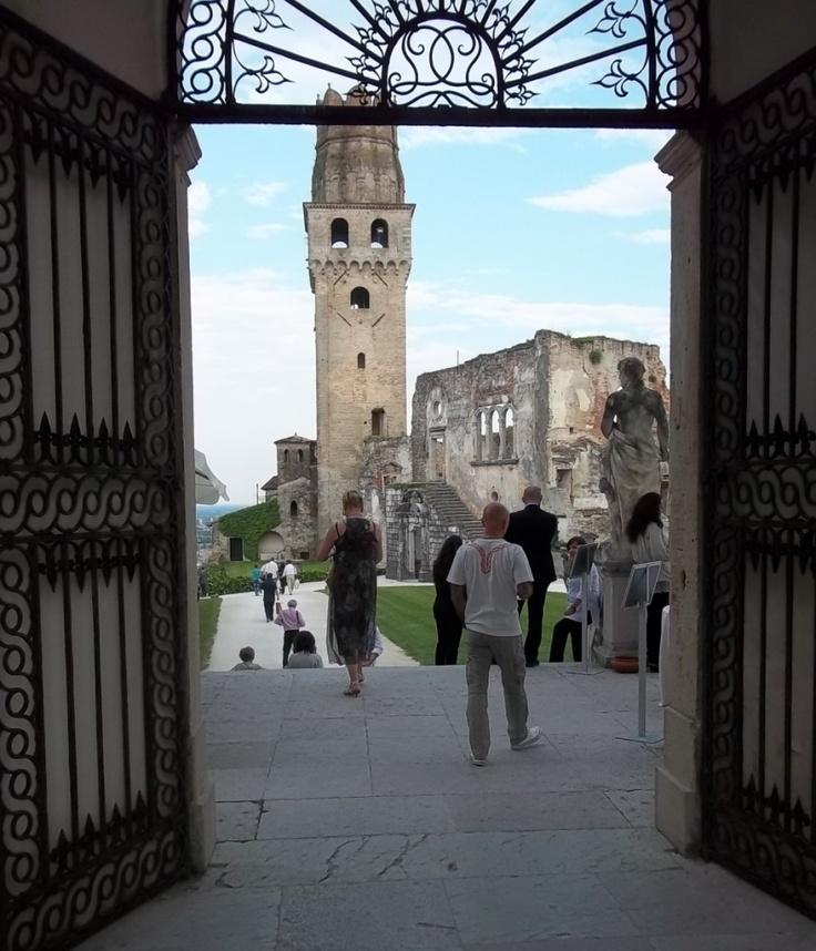 """Mionetto presente all'evento """"Vino in Villa"""" 2012 organizzato dal Consorzio di Tutela Prosecco Docg."""