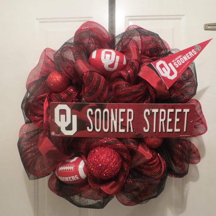 Oklahoma University Sooners, Boomer Sooner, Sport Wreath, Football Wreath. $80.00, via Etsy.