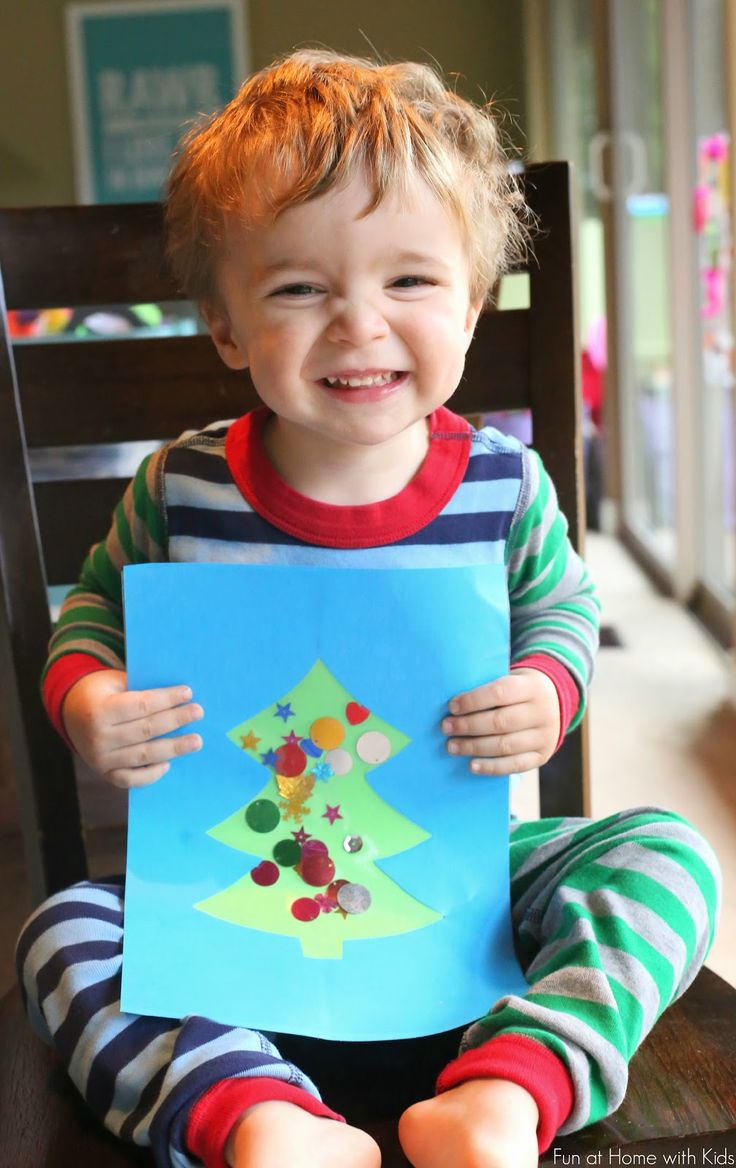 Easy Winter Toddler Christmas Tree Craft from Fun at Home with Kids