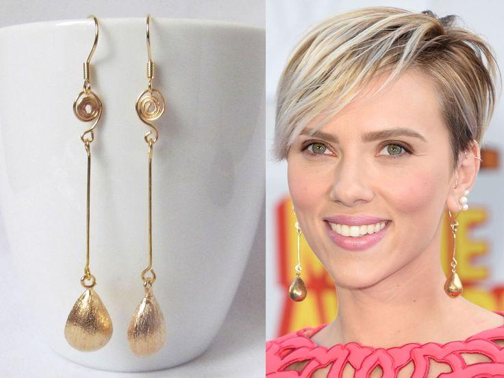 Long drop earrings gold, dangle earring scarlett johansson ...