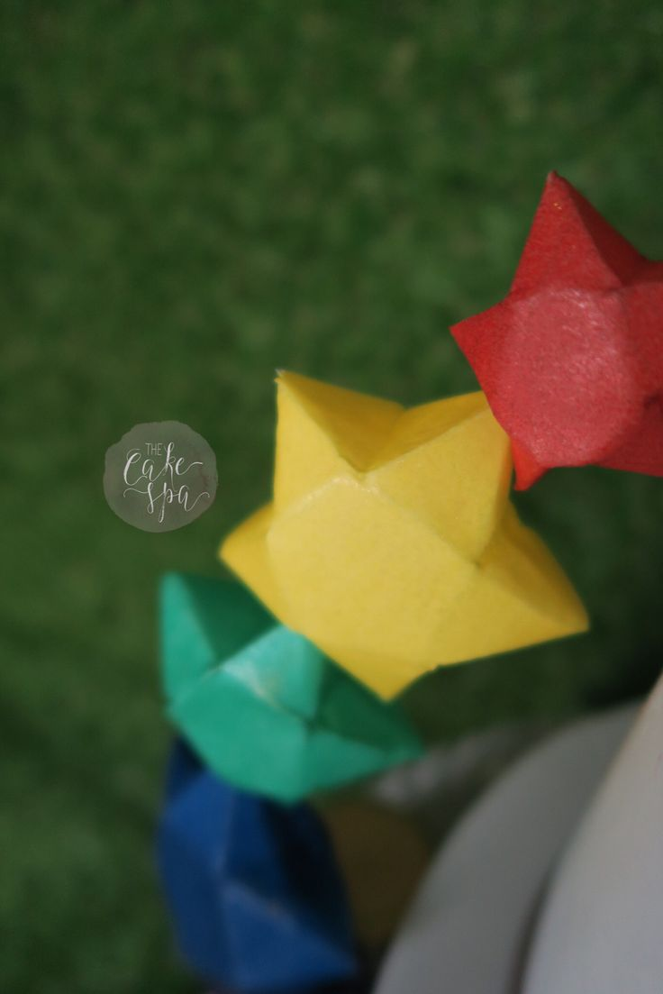 Origami wafer paper stars... totally edible!