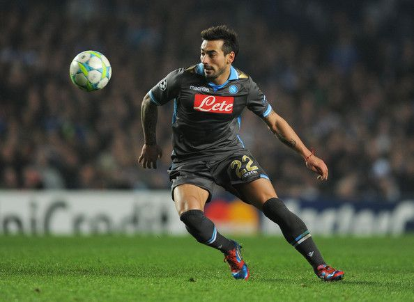Ezequiel Lavezzi Photos - Ezequiel Lavezzi of Napoli in action during the UEFA Champions League Round of 16 second leg match between Chelsea FC and SSC Napoli at Stamford Bridge on March 14, 2012 in London, England. - Chelsea FC v SSC Napoli - UEFA Champions League Round of 16
