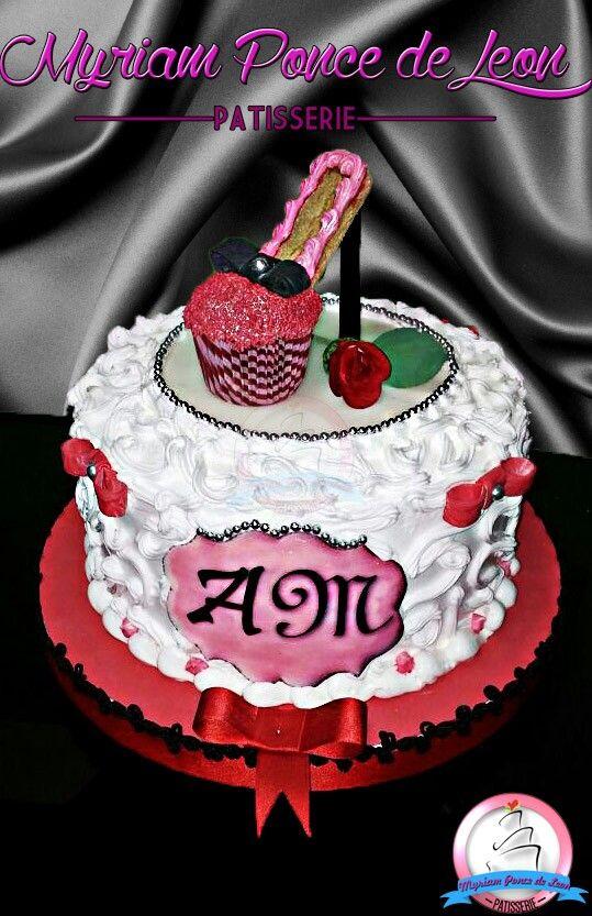 Torta con zapatito de cupcakes