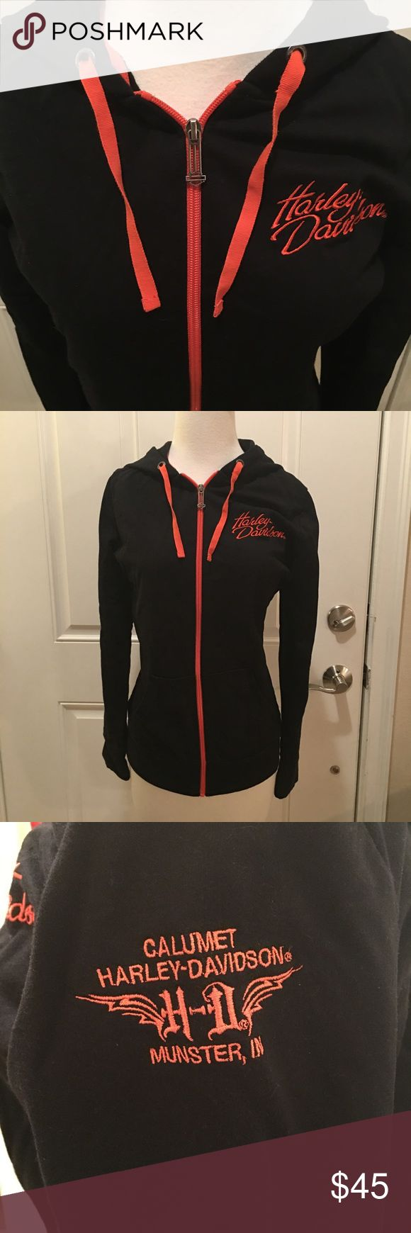 NWOT 🔥 Harley Davidson Comfy Hoodie Like new and never worn. I took the tags off thinking I would wear it but I have so many hoodies I never got around to wearing this one. It's in perfect shape and very soft. From the Calumet Harley dealer in Munster IN. Harley-Davidson Tops Sweatshirts & Hoodies