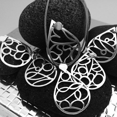 Busy week again!🤗 Small #CheerMe #pendants for my dear #customers! #lovemyjob…