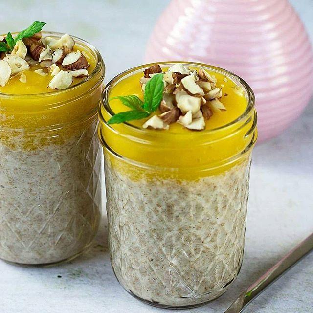 Fermentovaná ovesná kaše s mangem a oříšky / Porridge with nuts in Ball mason jar