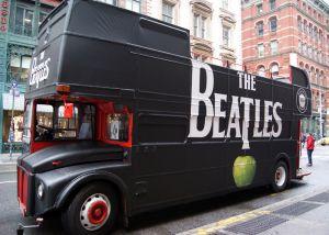 Deze mobiele pop-up store werd ingezet om de nieuwe the Beatles' catalog on 180-gram vinyl LPs te promoten. Daarbij werden verschillende soorten merchandise verkocht.