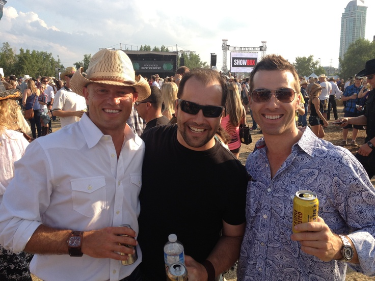 There is no greater friendship than with your college room mates.  I was so lucky to catch up with Dereck and Jeff at this years Calgary Stampede.
