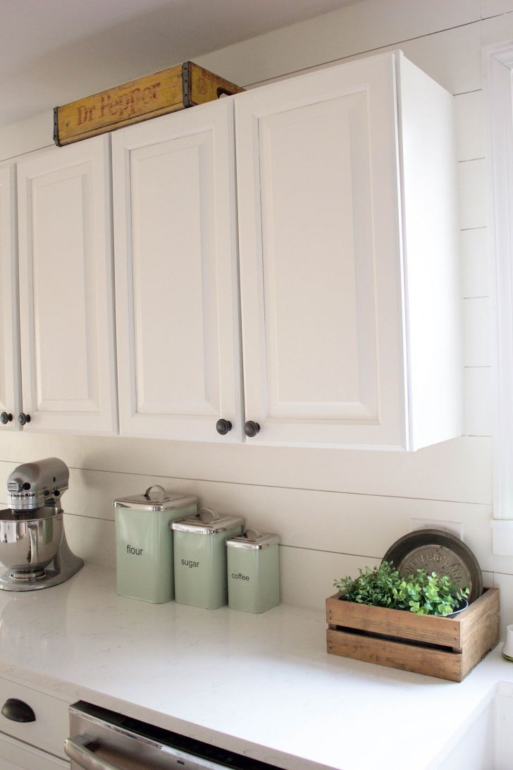 17 Awesome Paint Kitchen Cabinet Design For For Small Home Ideas