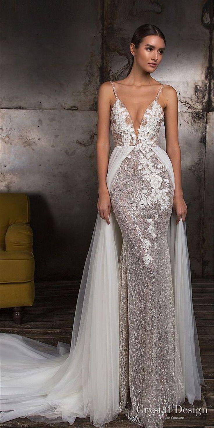 Glamouröses Brautkleid mit tiefem V-Ausschnitt und Blumenmuster; 2019 Hochzeitskleid Trend; Fettdruck