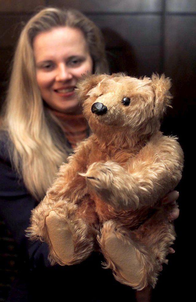 12 Teddy Bears That Are Worth A Fortune Old Teddy Bears Teddy Bear Teddy