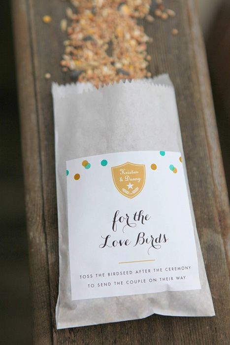 Bird seed favors for your wedding guests - the birds will thank you! #weddingfavors #springweddings