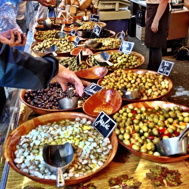 "@anomedie's photo: ""#Oliven #olives #market #festival #martna"""