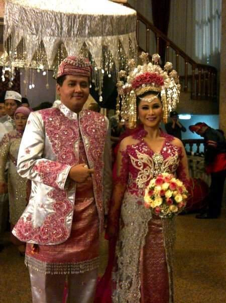 #PengantinMinang #Minang #Wedding #Suntiang #SilverPink