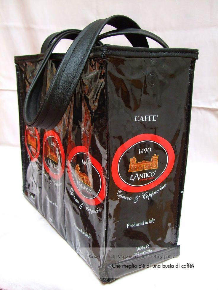 Che meglio c'è di una busta di caffè? #borsa, #handmade, #istruzioni, #riciclare, #Sunwand, #tutorial
