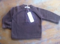 80% Certified Organic cotton 20 % wool. Henley jumper, made by PUREBABY. Jumper has 4 buttons down from neck.  Size 000 only  Now $25