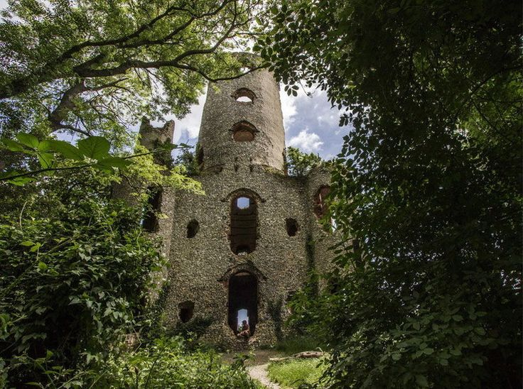 Opuszczone miejsca w Wielkiej Brytanii - ruiny, zamki, fabryki