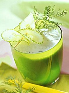Green tea diet has many short and long term health benefits. Besides rapid weight loss, green tea dieters can improve heart,oral and skin health. Try it to