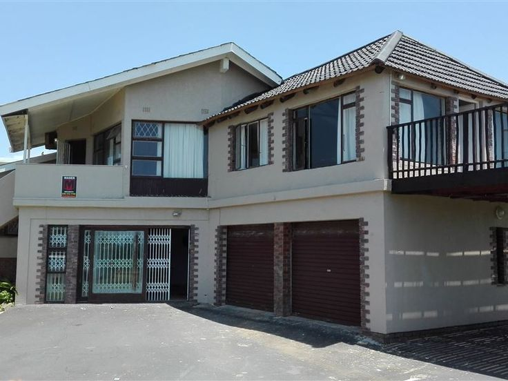 Uvongo House - Uvongo House is a lovely double story house situated a stone throw away from the beach and has beautiful sea views. It is a great choice for families or friends enjoying a vacation together. It comprises ... #weekendgetaways #margate #southcoast #southafrica