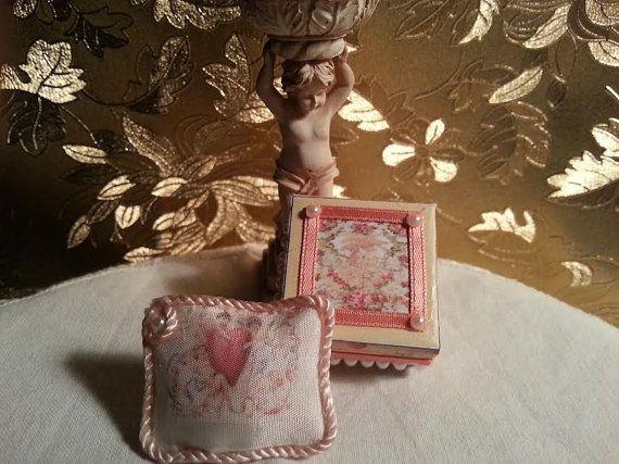 Pillow  Angels  Love Victorian  Rose   Box   by LaboratoriodiManu