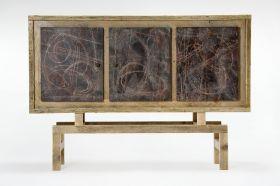 """Credenza a tre ante effetto """"graffiato"""", interamente realizzata con legno di recupero. #madeinitaly #artigianto #design #legno"""